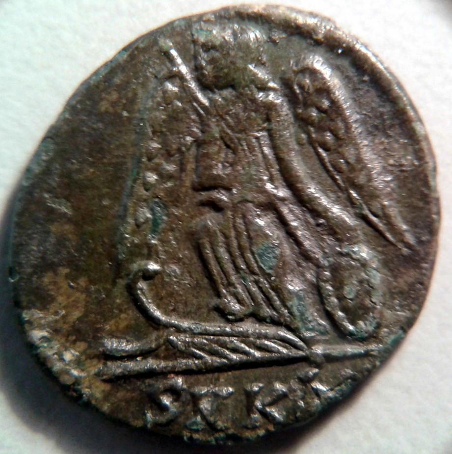 AE3 Costantinopoli 330 333 d.C. rovescio