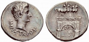 Tetradracma coniata dalla zecca di Pergamo sotto l'imperatore Augusto tra il 19 e il 18 a.C.
