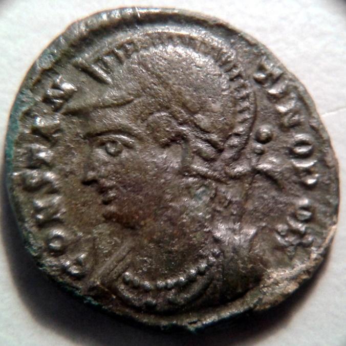 AE3 Costantinopoli 330 333 d.C. dritto